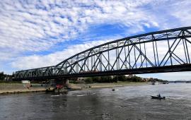 Na zdjęciu: most drogowy w trakcie prowadzonych prac