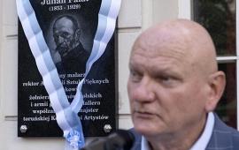 prezydent Michał Zaleski podczas odsłonięcia tablicy