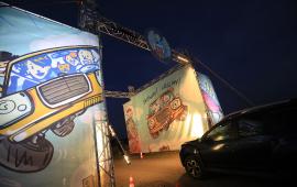 Brama wjazdowa na teren festiwalu Auto Skyway