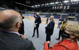 delegacja EA ogląda Arenę Toruń