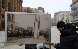 wystawa na Rynku Staromiejskim