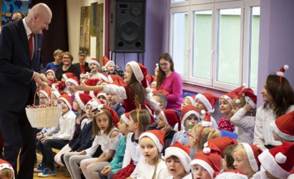 Cała Polska Czyta Dzieciom na mikołajki