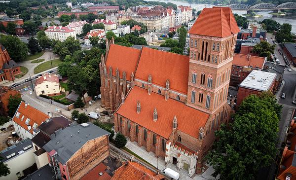 Kościół św. Jakuba z lotu ptaka