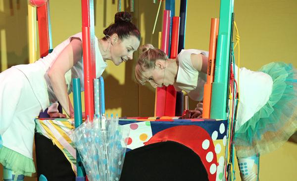 """zdjęcie ze spektaklu """"Brzdęk i dźwięk"""", fot. Magdalena Kujawa"""
