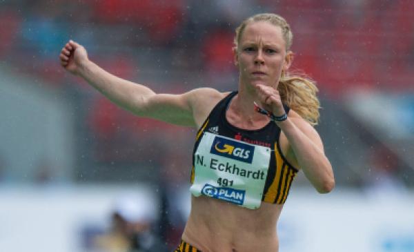 Neele Eckhardt -Noack wykonuje trójskok