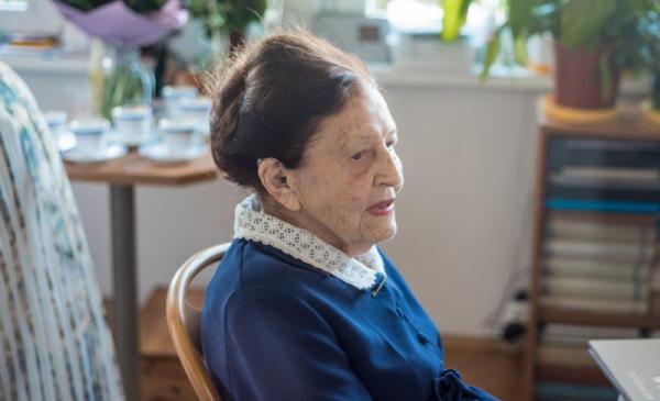 Na zdjęciu stulatka Jadwiga Maria Strawińska