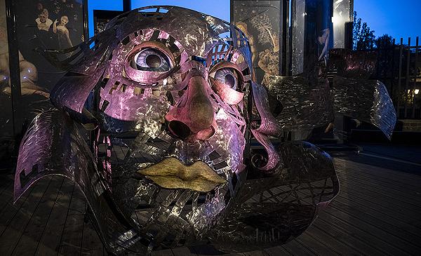 rzeźba głowy Szekspira w Teatrze Elżbietańskim