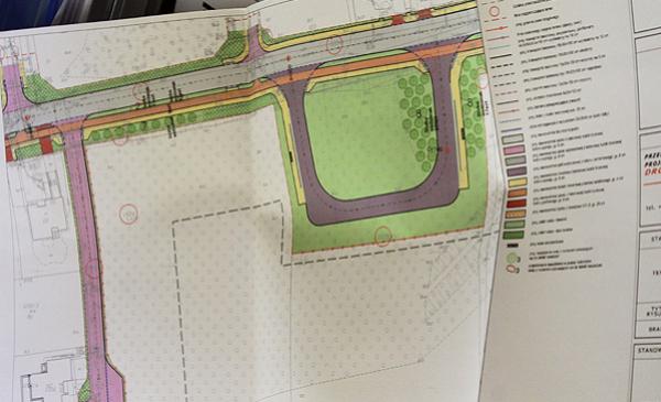 projekt drogowy z pasami zieleni
