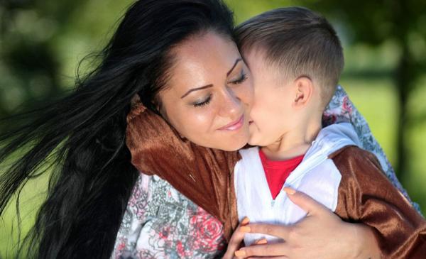 zdjęcie mamy z dzieckiem