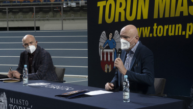 Prezydent Michał Zaleski i Krzysztof Wolsztyński, dyrektor generalny Halowych Mistrzostw Świata w Lekkiej Atletyce podczas konferencji prasowej podsumowującej wydarzenie