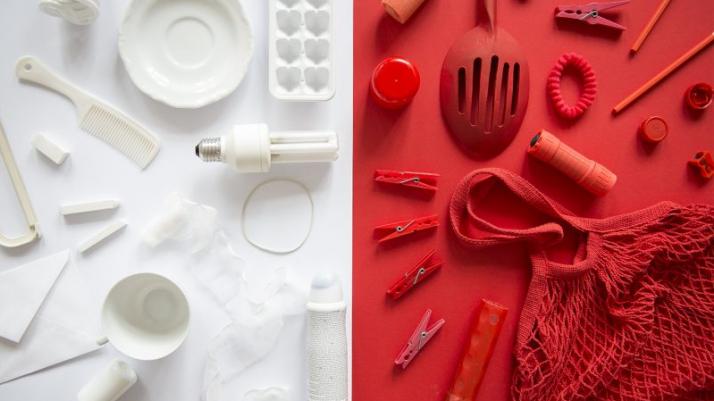 biało-czerwona kompozycja plastyczna