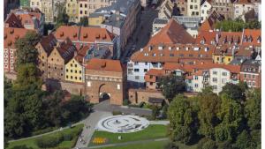 Na zdjęciu Brama Klasztorna oraz ul. św Ducha z lotu ptaka