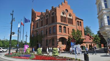 Na zdjęciu: budynek Urzędu Miasta Torunia