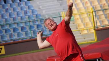 Wacław Krankowski bierze udział w zawodach w rzutach nietypowych