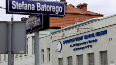 Na zdjęciu budynek Specjalistycznego Szpitala Miejskiego w Toruniu