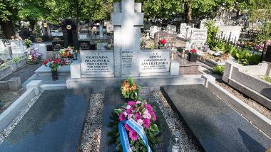 kwiaty na grobie prof. Iwanowskiej