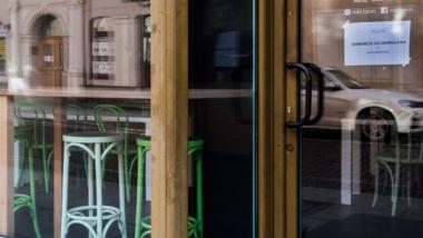 witryna zamkniętej restauracji