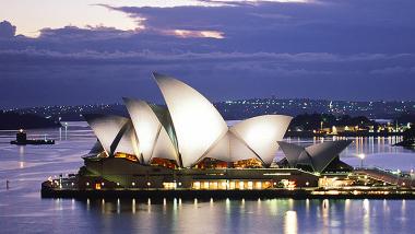 """opera w Sydney, kadr z filmu """"Na krawędzi, historia opery w Sydney"""""""
