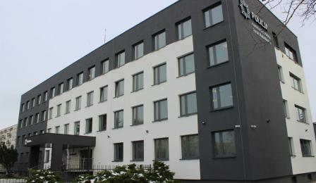 zmodernizowany budynek główny komisariatu